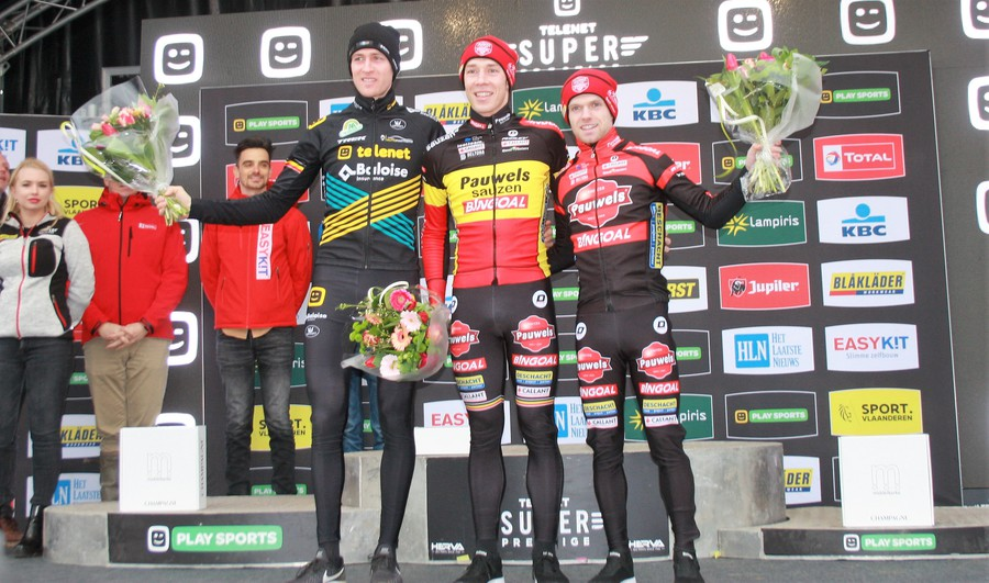 IMG_0465 podium elite heren.jpg (198 KB)